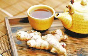 Uống trà gừng để giảm đau bụng kinh